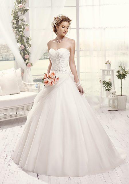 Vestido de novia exclusivo. vestido de novia blanco sencillo elegante, sin mangas