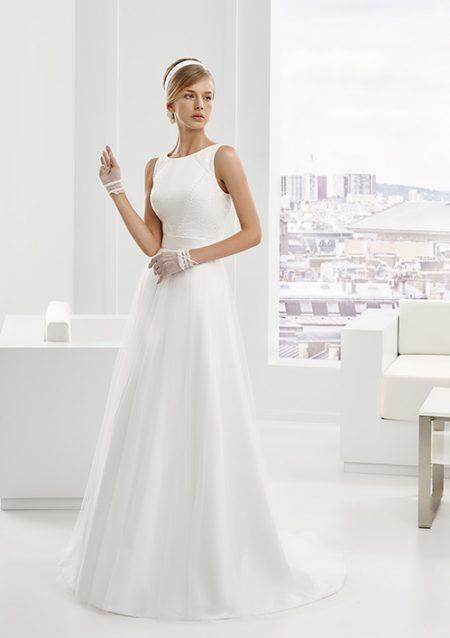 vestido de novia blanco sencillo elegante, sin mangas