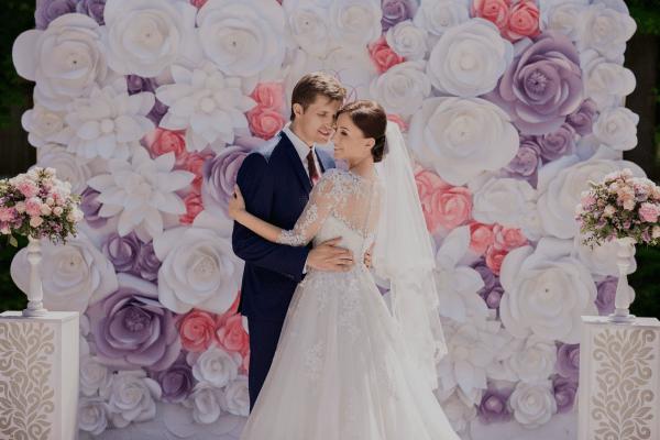 Elegancia y suavidad en encajes para vestidos de novia.