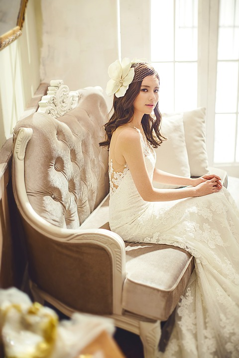 wedding-dresses-1486239_960_720